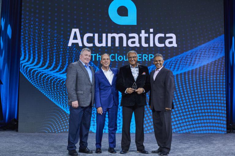 11Acumatica presenting award to MNP Digital